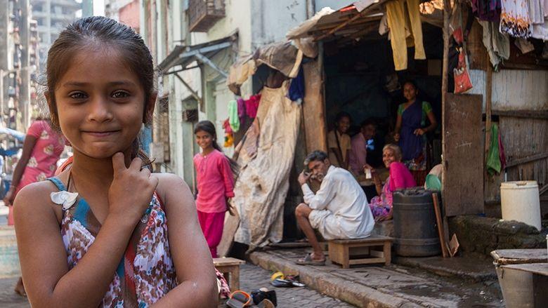 in-young-girl-mumbai-slum-adam-cohn