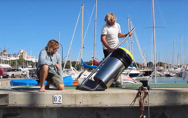 floating-rubbish-bin-ocean-cleaning-seabin-andrew-turton-pete-ceglinski-australia-5