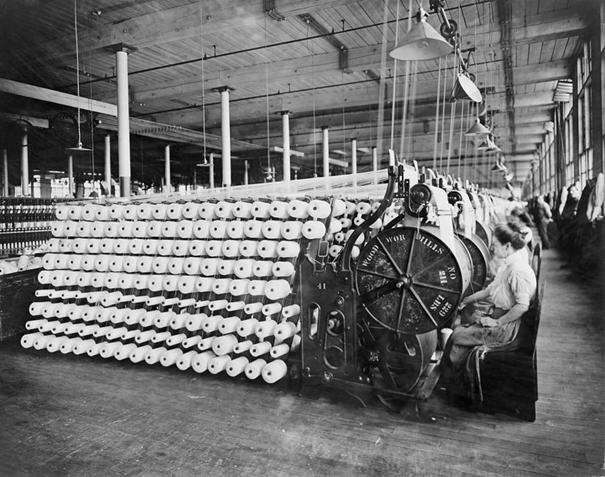 8-mart-dunya-kadinlar-gunu-tekstil-fabrikasi
