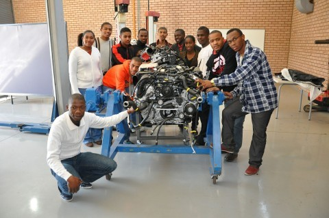 Volvo-Diesel-Mechanic-Apprenticeship-480x319