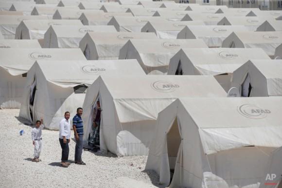 campo-de-refugiados-de-Suruc-3-580x386