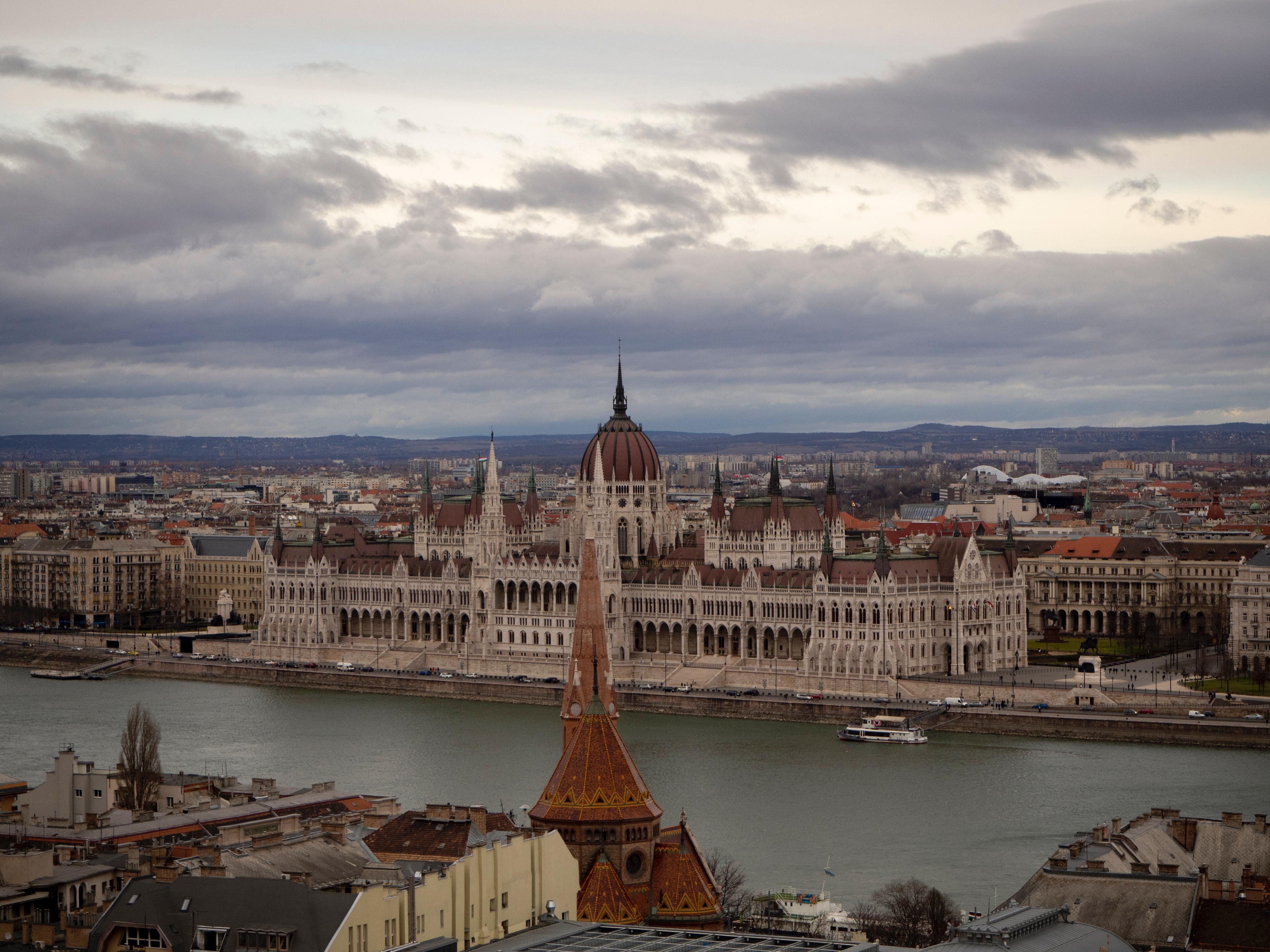 Ülkelerin COVID-19 ile Mücadele Hikâyeleri: Macaristan