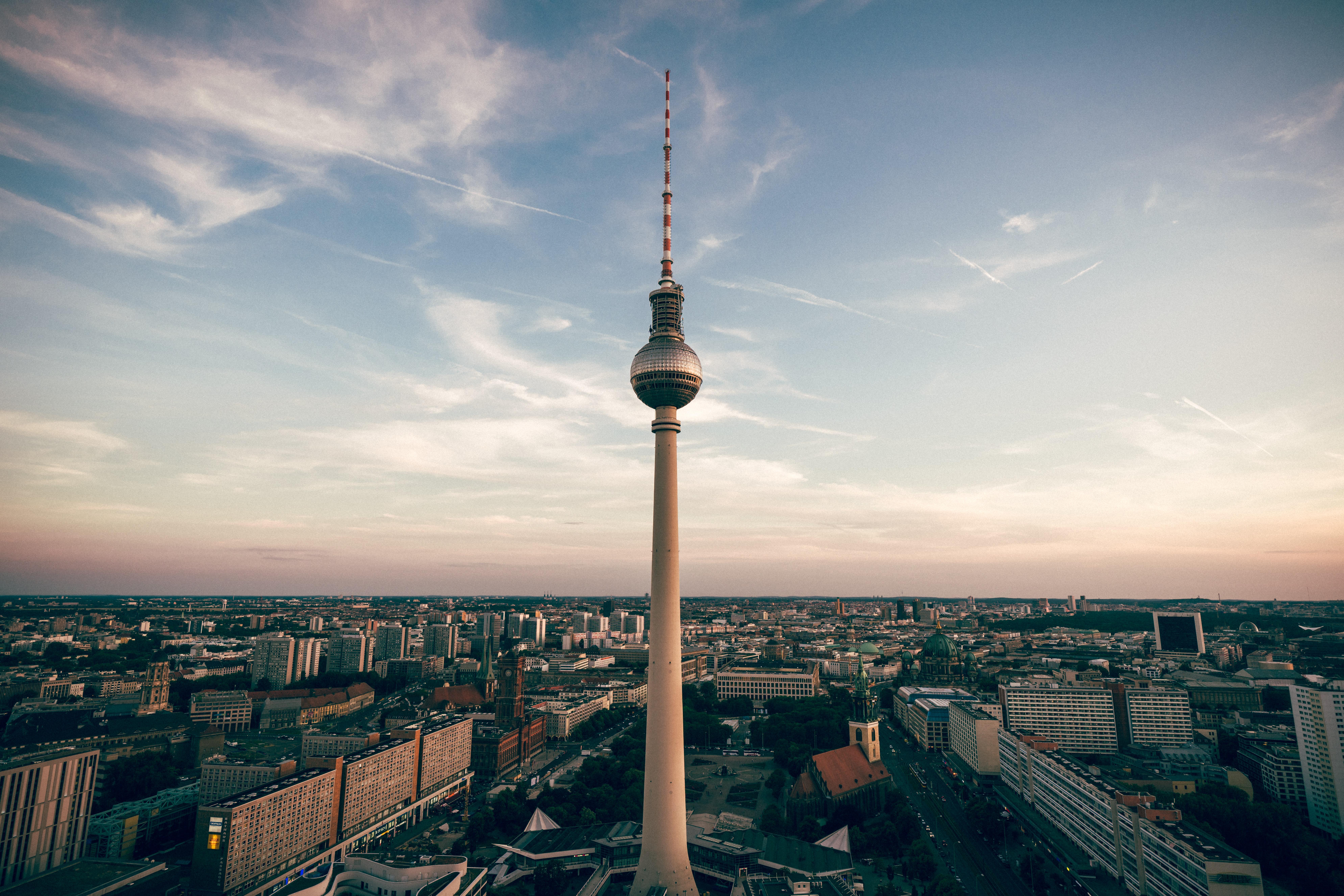 Ülkelerin COVID-19 ile Mücadele Hikayeleri : Almanya